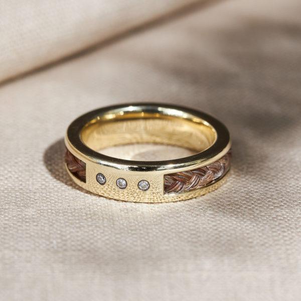 Ring mit Pferdehaar