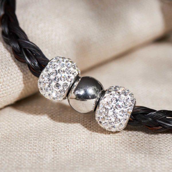 Pferdehaar mit Perlen