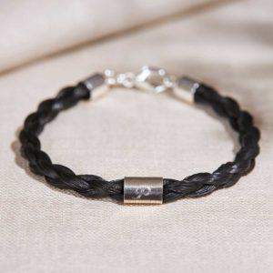 Pferdehaar-Armband mit eingraviertem Buchstabe